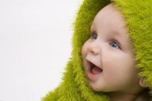 Малыш в капюшоне