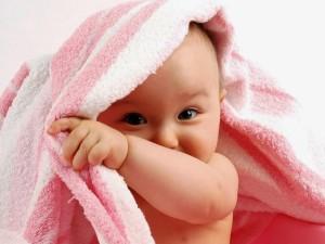 Малыш в полотенце