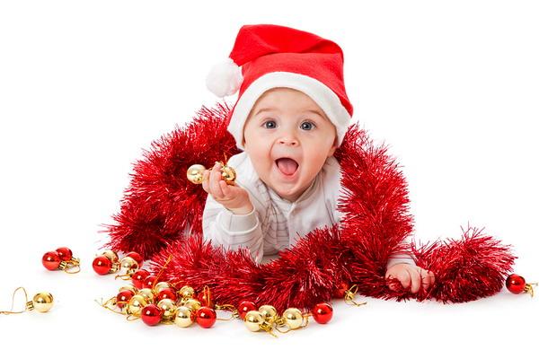 Малыш в новогоднем костюме