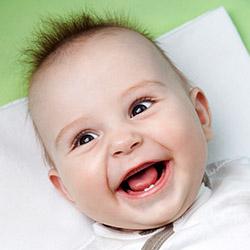 Первый зубик малыша – советы молодым мамам